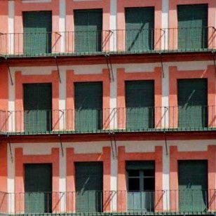 Persianas Alicantinas de madera para balcones
